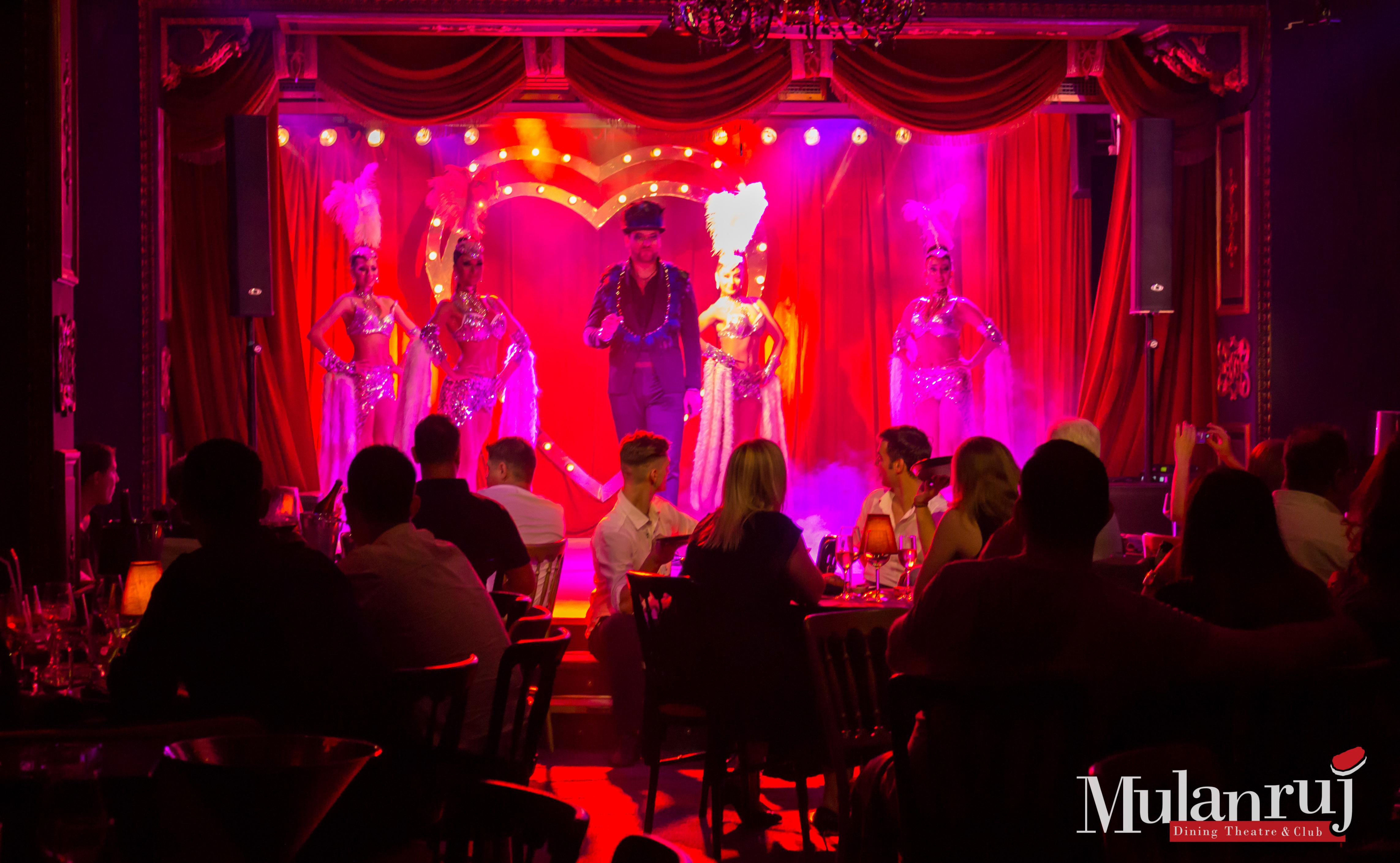 In lumea fascinanta a Cabaretului la Mulanruj! (P)