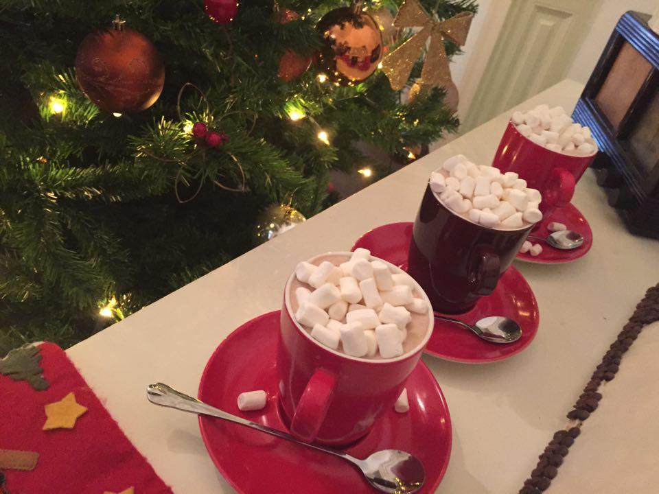 Unde bem ciocolata calda/cafea cu marshmallows in Bucuresti