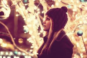 alone-christmas-girl-night-photoshop-favim-com-110926_large