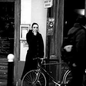 girl_smoking_outside_a_cafe