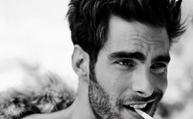 În lumea bărbaților puțin prea frumoși