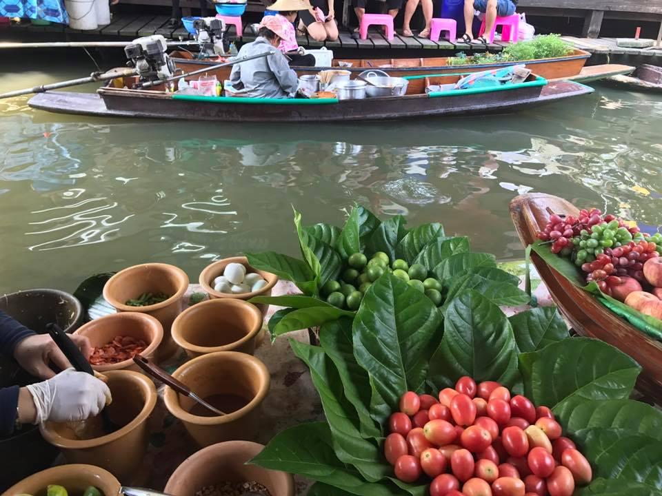 Bangkok – temple, trafic, artă și unicorni