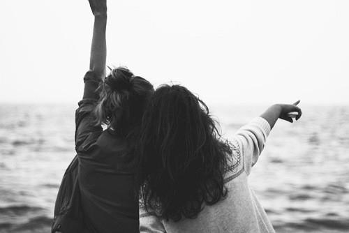 Cum se schimbă relațiile de prietenie odată cu maturizarea