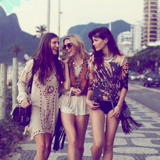 Intalnirea fetelor care adora stilul BOHO-CHIC (P)